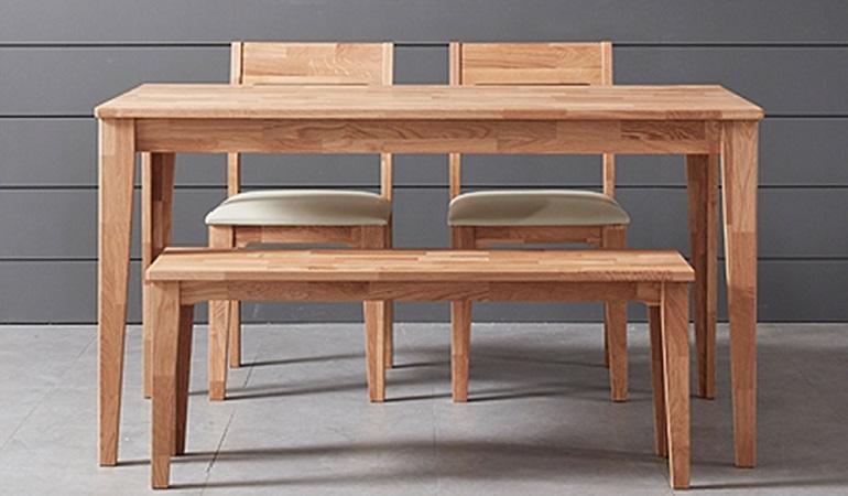 Vì sao bàn ăn gỗ cao su được các gia đình yêu thích?-1