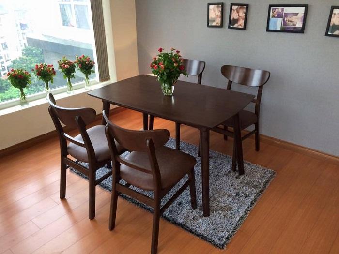 Vì sao bàn ăn gỗ cao su được các gia đình yêu thích-6
