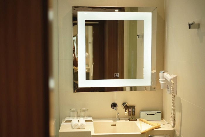 Gương đèn led – Xu hướng hiện đại của phòng tắm-6