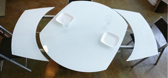 3 lợi ích hàng đầu của bàn ăn thông minh mặt kính-1