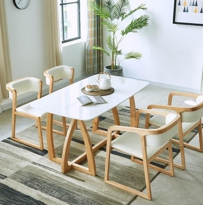 Khi chọn bàn ăn chung cư nhỏ, bạn nên chọn những chiếc bàn có kích thước nhỏ và ưu tiên các bộ bàn thông minh có thể kéo dài hoặc gắn trực tiếp lên tường-5