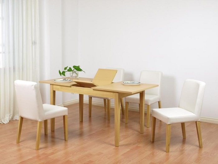 Khi chọn bàn ăn chung cư nhỏ, bạn nên chọn những chiếc bàn có kích thước nhỏ và ưu tiên các bộ bàn thông minh có thể kéo dài hoặc gắn trực tiếp lên tường-6