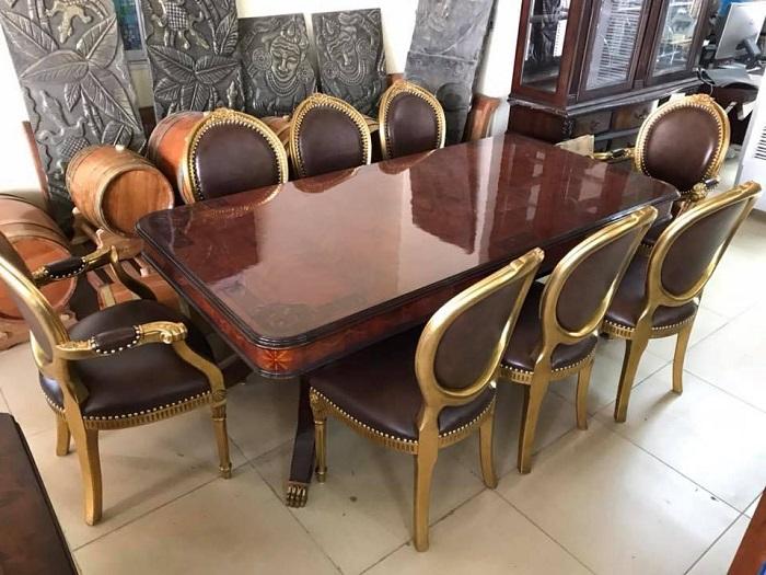 Trọn bộ kinh nghiệm chọn bàn ăn 8 ghế cho gia đình đông người-12