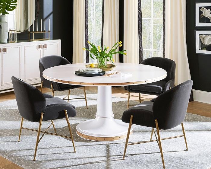 Mách bạn cách trang trí bàn ăn gia đình đẹp mà đơn giản-13