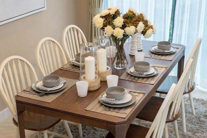 Mách bạn cách trang trí bàn ăn gia đình đẹp mà đơn giản-16