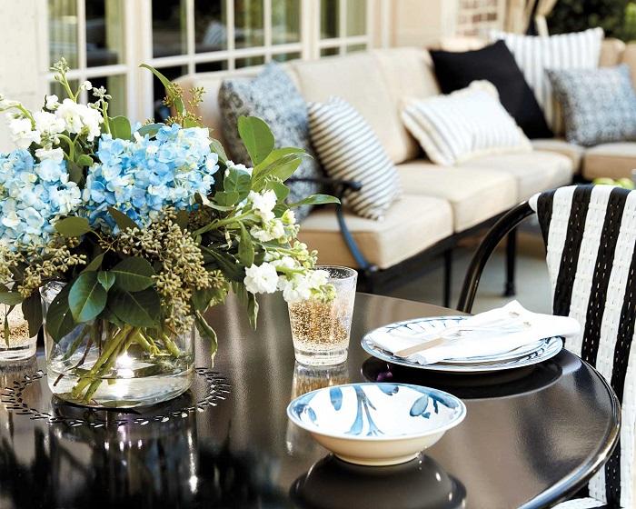 Mách bạn cách trang trí bàn ăn gia đình đẹp mà đơn giản-17