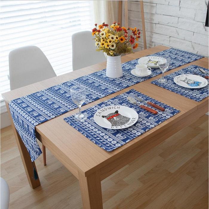 Mách bạn cách trang trí bàn ăn gia đình đẹp mà đơn giản-23