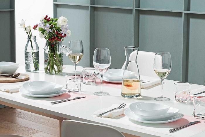 Mách bạn cách trang trí bàn ăn gia đình đẹp mà đơn giản-6